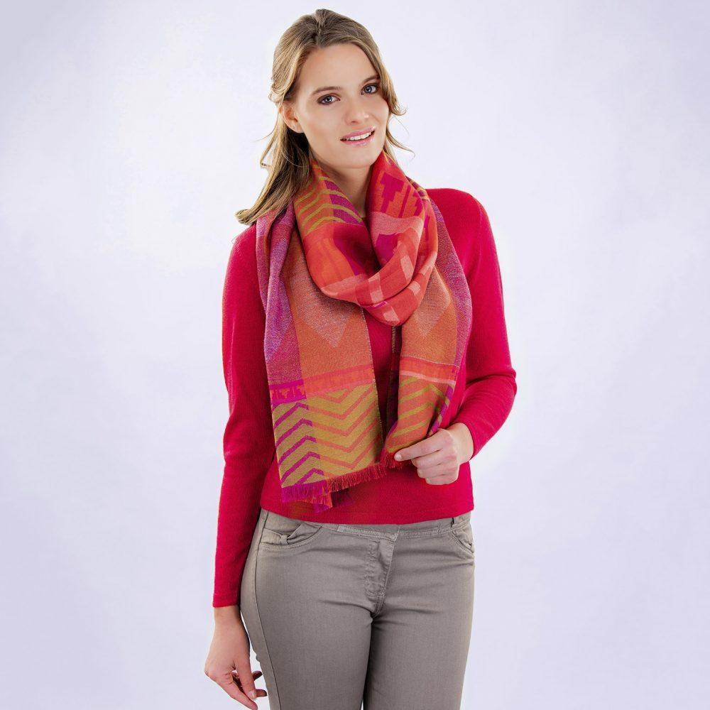 Écharpe FUSION en bébé alpaga et soie - écharpes, bonnets et pulls en alpaga. Fine Alpaca, fine laine et coton du Pérou, vêtements en fibres naturelles.