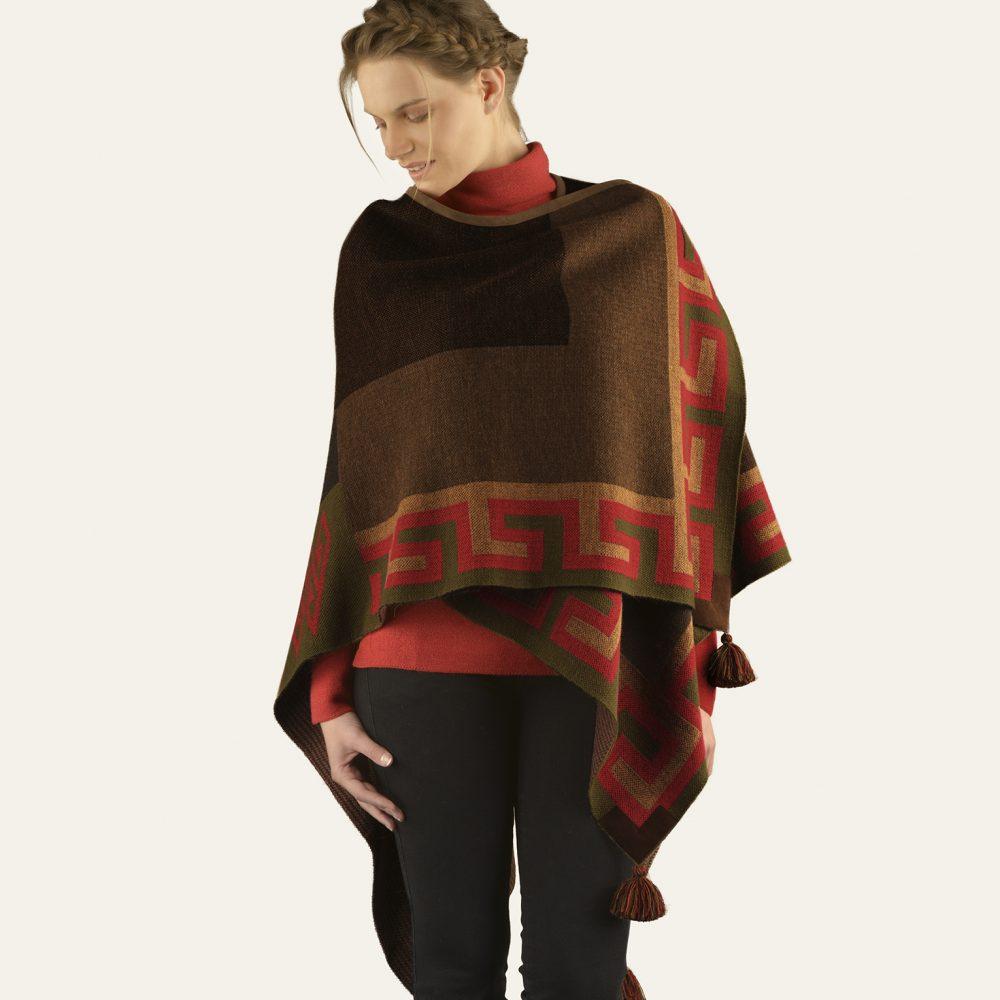 Cape MANTA en bébé alpaga - écharpes, bonnets et pulls en alpaga. Fine Alpaca, fine laine et coton du Pérou, vêtements en fibres naturelles.