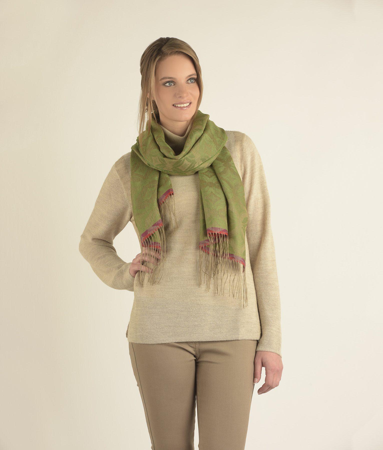 Châle GEOMETRIC en alpaga et soie - écharpes, bonnets et pulls en alpaga. Fine Alpaca, fine laine et coton du Pérou, vêtements en fibres naturelles